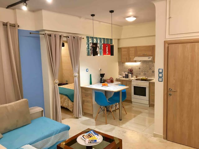 PIRAEUS BLUE GRAND SUITE DI GIORGIO  10' FROM PORT