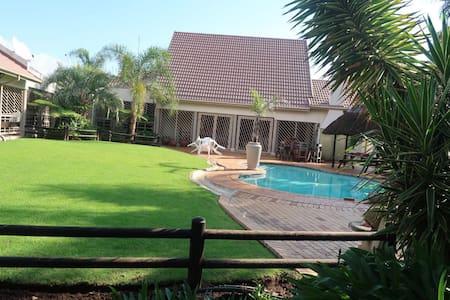 Pamuzinda on Bontebok! For a cozy, peaceful stay!