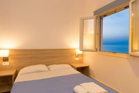 Socrates 4 per apartment - Milatos Beach - Bed & Breakfast