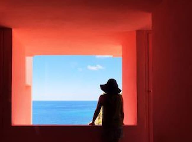 Sea view apartment in Muralla Roja