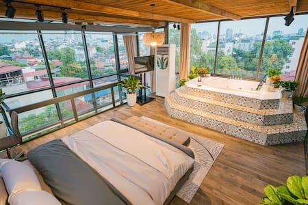 Penthouse in OldQuarter⭐360°ViewJacuzzi⭐Netflix