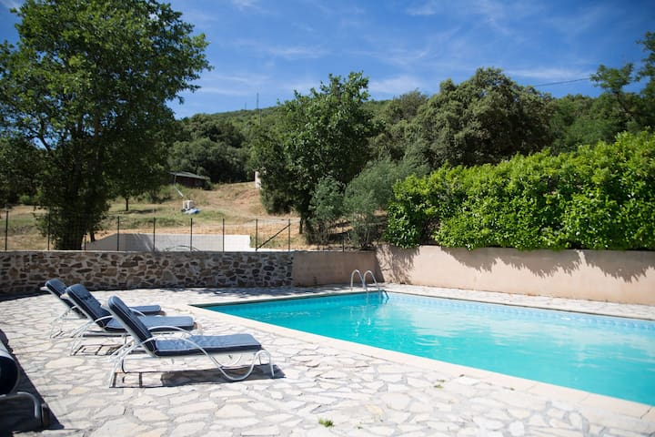 Charming Holiday Home in Rieussec with Swimming Pool