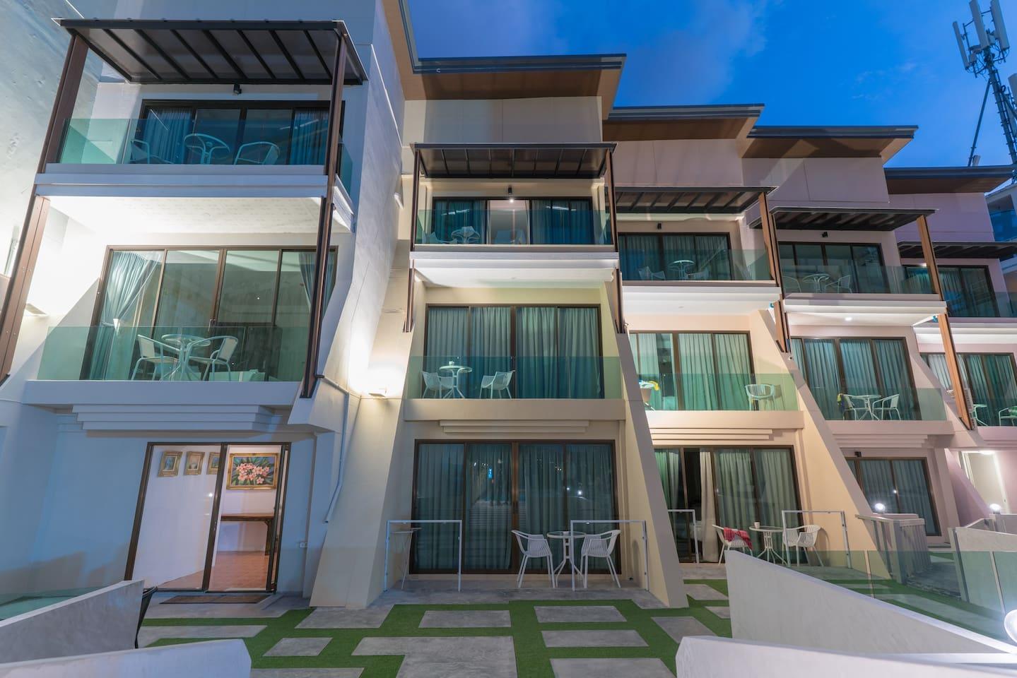 Φ B DBL Room with balcony good atmosphere pool Φ