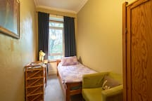 Spacious & Central Old Town Flat
