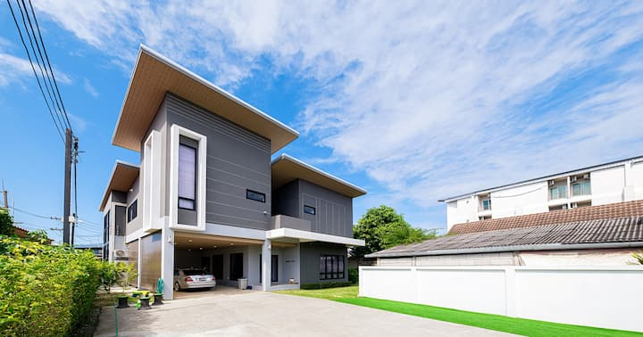 บ้านมาเหนือ ::Maneua Home ChiangMai::