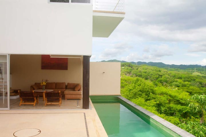 Modern 3B House with Stunning view