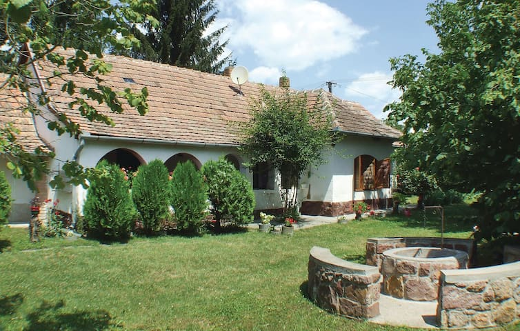 Holiday cottage with 2 bedrooms on 100m² in Ordacsehi