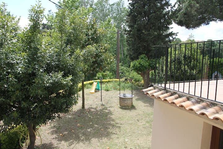 Country Villa BBQ -20 m'  Barcelona - close to F1