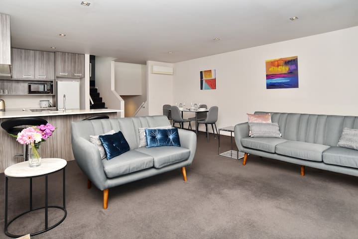 Armagh Apartment 3 - Spacious centrally located
