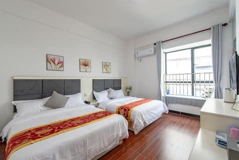 珠海机场亲子四人双床房《逸家公寓》金沙滩、航展馆24小时免费接送机302