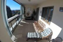 Giardino con solarium, sauna e zona relax