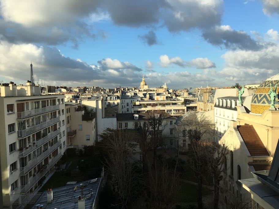 View on both Invalides and Eiffel Tower
