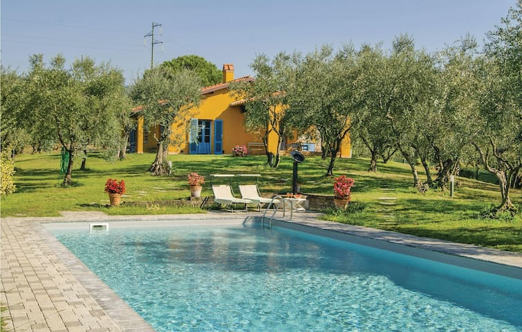 Holiday cottage with 3 bedrooms on 96m² in Buggiano PT