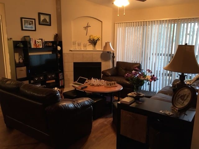 Spacious private guest room w/private bath - Scottsdale - Pis