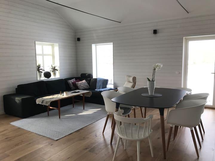 Modern lägenhet i lantligt läge Varberg