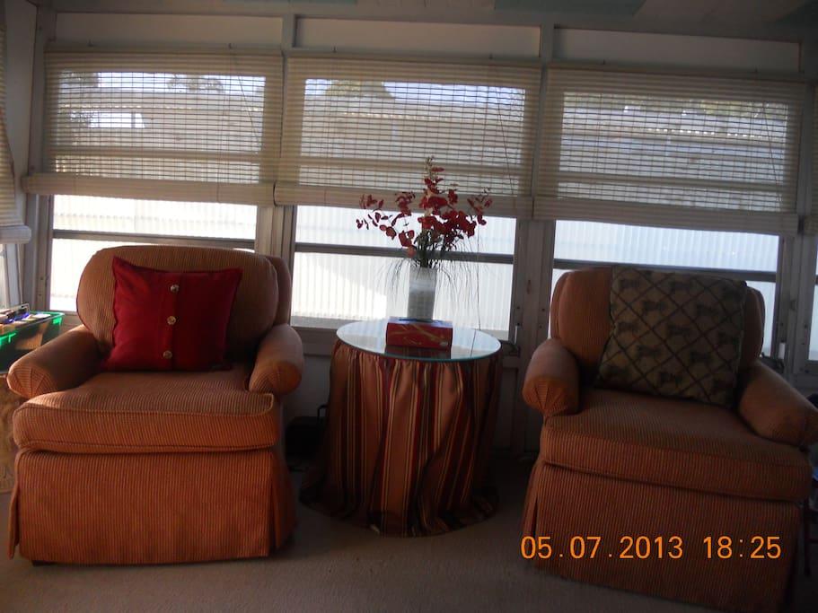 Florida room with sleeper sofa