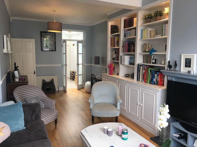 Great family home with a garden in West London
