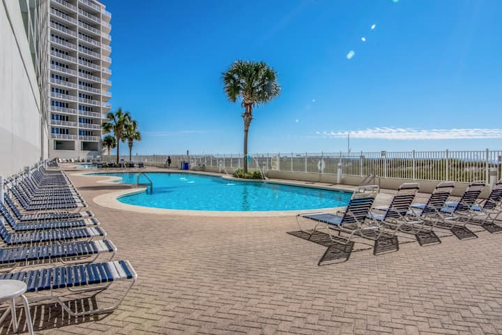 Beachfront resort condo w/ balcony, pools, hot tubs & fitness center!