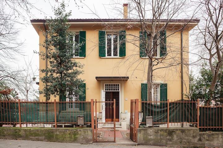 Comfortable villa just outside the city walls