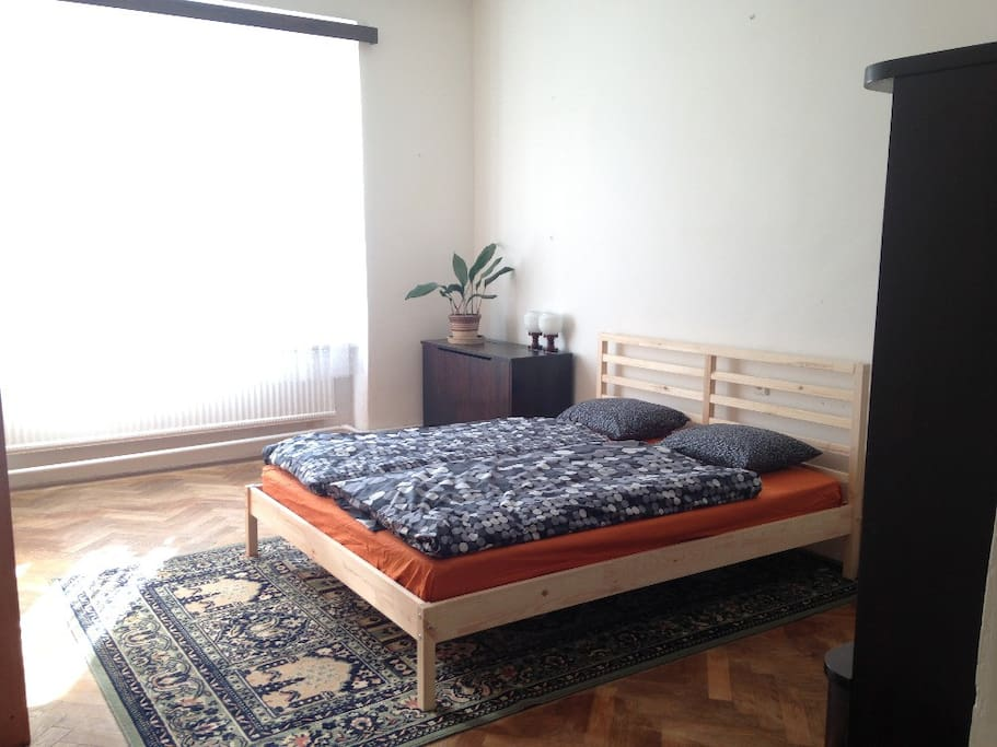 Bedroom with double room. Spacious, light and calm.