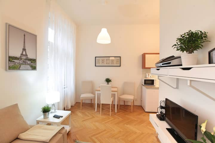 Comfortable 2Bedroom Apartment Prg 5, Subway Anděl