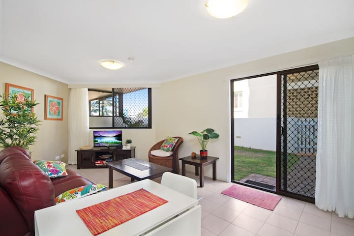 Bayview Apartments Unit GA - Ground floor beachfront unit with private courtyard