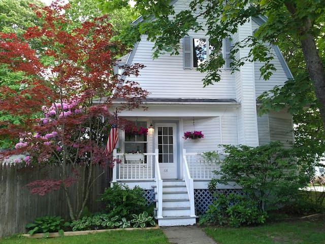 Charming Dutch Colonial in SoPo - South Portland - Hus