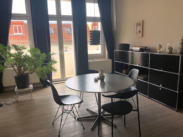 Central apartment in quiet location