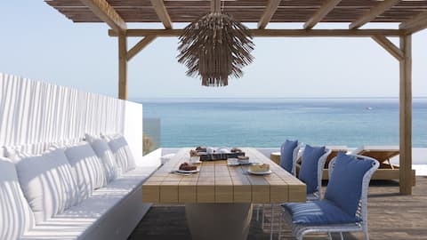 White of Blue Apartment, unlimited view & Jacuzzi