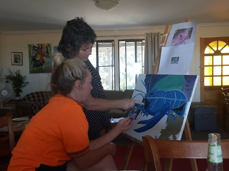 We hold Art Classes with Hollys Art Lessons Studio in various mixed media's, Oils, Batik working with wax and dyes and a weekend in the Family Room we offer children morning activities, Kite Making or bread making or Treasure Hunt in the garden..