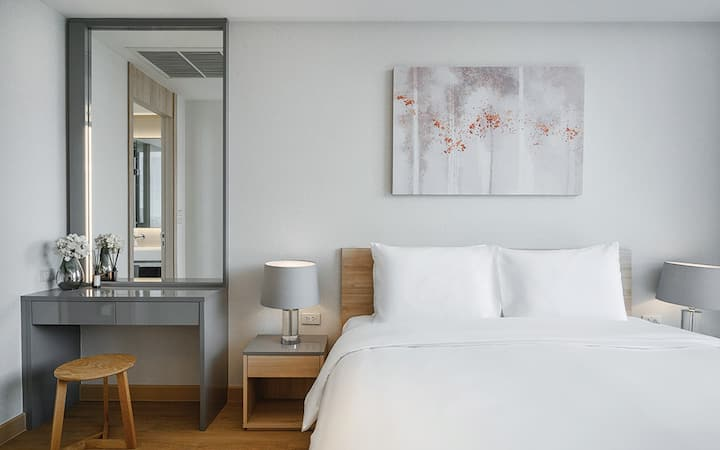 One Bedroom Executive @ Oakwood Suites Bangkok