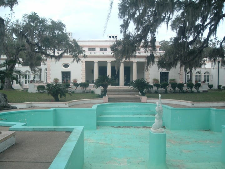 The R. J. Reynolds Mansion on Sapelo .