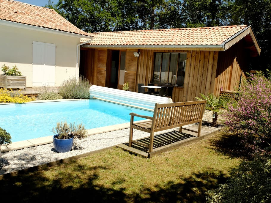 Bassin d 39 arcachon la hume t2 piscine cottages for for La piscine translation