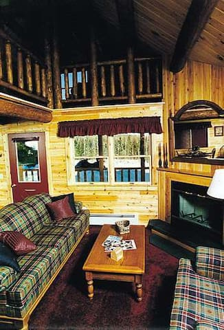 Moosehead Cottage Resort Log Cabin