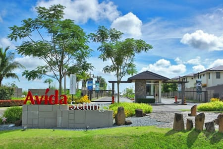 2BR 2T&B Nuvali gated-Home, Outdoor space, parking - Calamba - 独立屋