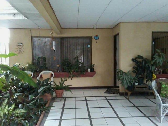 Habitacion para 1 o 2  personas - Rincón de Sabanilla - Hus