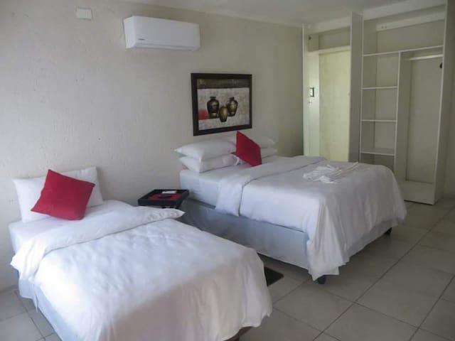 BTV Guest house _ Triple Room 1