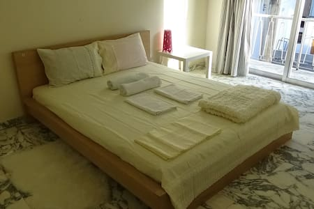 1 bedroom studio apartment in Nicosia City Center - Nicosia - Leilighet