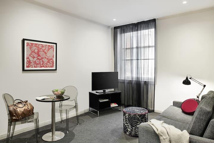 Studio Apartment - 14 Nights
