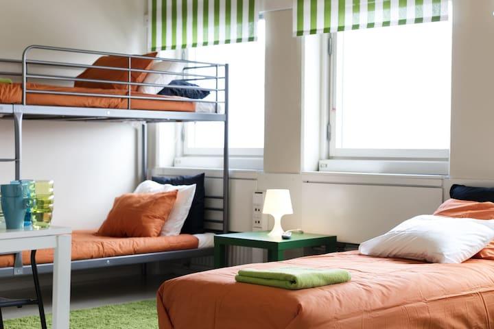 HJ Vandrarhem/Hostel 35 min från Stockholm City 1