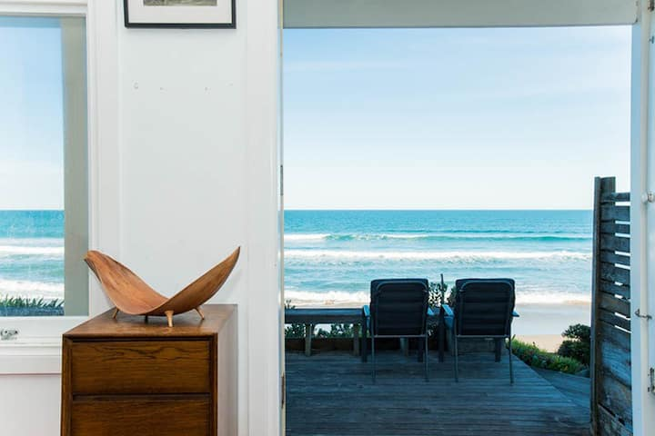 Absolute Beachfront Wainui