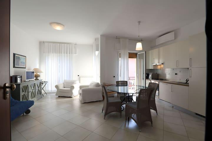ALLOGGIO A 50 METRI DAL MARE - Diano Marina - Appartement