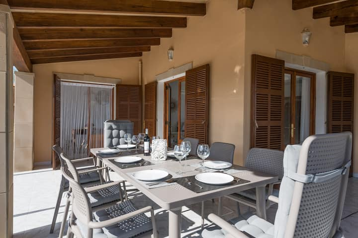 CAN FUSTERET - Chalet with sea views in Son Serra de Marina. Free WiFi.