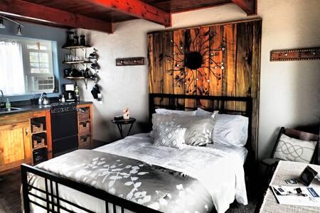 Bluebird Mesa Cabin 2 - Cozy Cabin on Mesa!