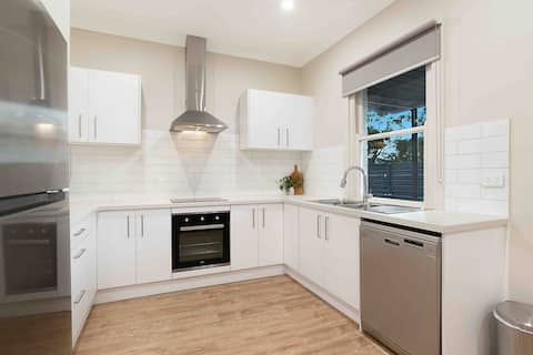 ⭐️STELLA-Enjoy this newly renovated boutique home⭐️
