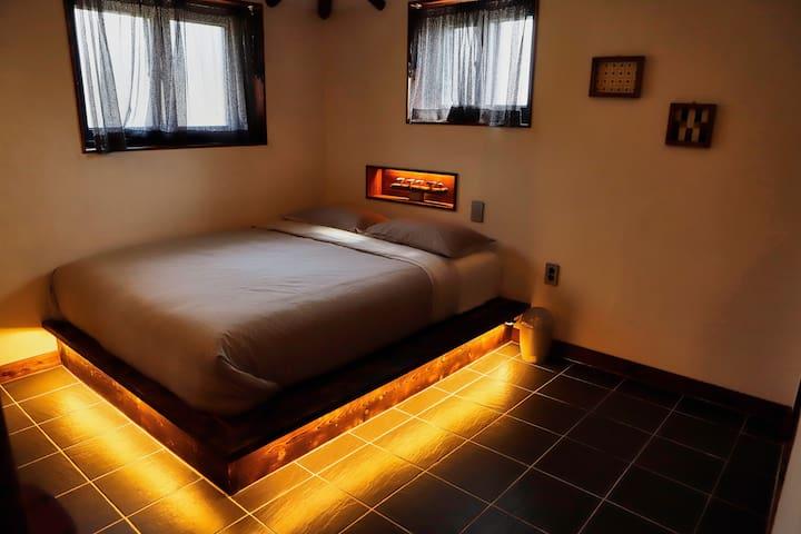 여러 후기에서 좋은 평가를 받고 있는 침대와 침구