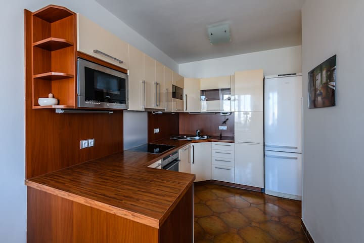 Sunny 3room apartment with balcony and parking