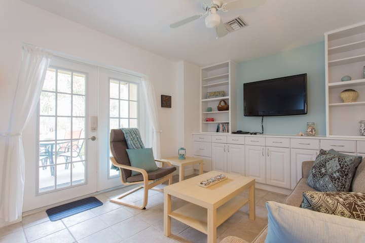 Luxury Apt near Parks & Beaches - Tarpon Springs - Appartement