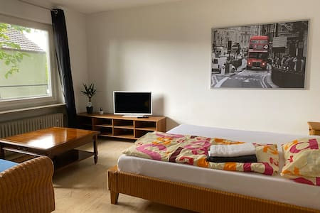 Panoramablick ,Smart-TV gemütliches Rattan Zimmer