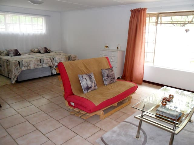 Bachelor Apartment for Long or Short Term Rental - Komatipoort